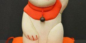 古ちりめん木目込み人形「招き猫」