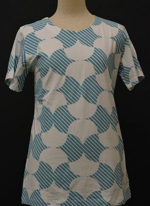 和柄半袖Tシャツ