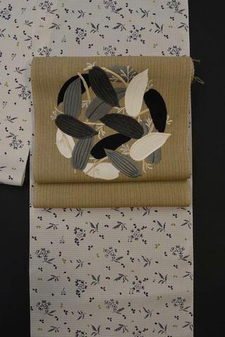 桜の模様を染めた上田紬をコーディネート