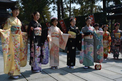 石川県の十三詣り・金沢市の天徳院にて