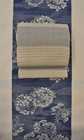 藍染の着物を麻羅織八寸帯でコーディネート