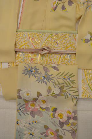 娘のために誂えた訪問着に帯〆帯揚げの色の合わせに迷う私でした