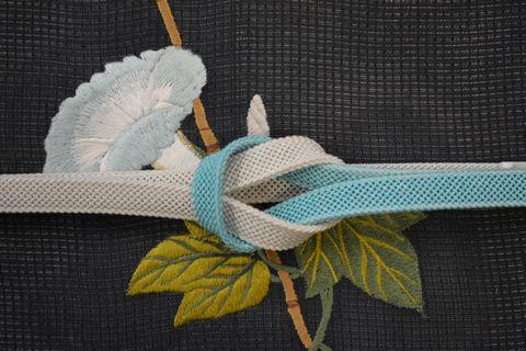 朝顔の刺繍帯と水色の夏帯締め