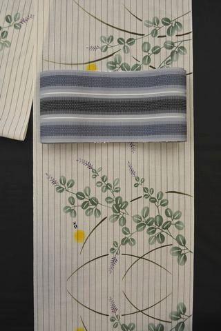 三勝さんの白地の浴衣をコーディネート