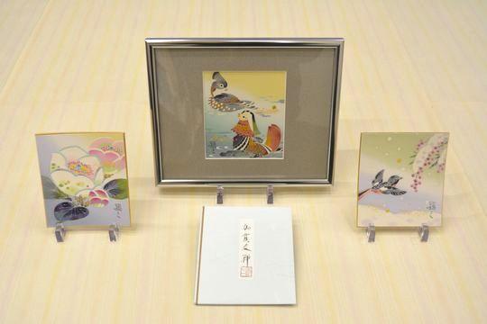 絹のちりめん生地に描いた加賀友禅色紙
