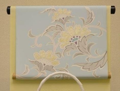 刺繍が入った水色系の染帯