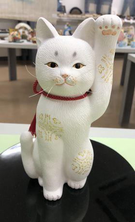 人招きの白猫