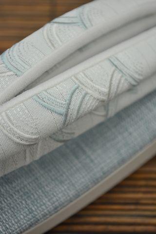 刺繍の絽鼻緒:露芝