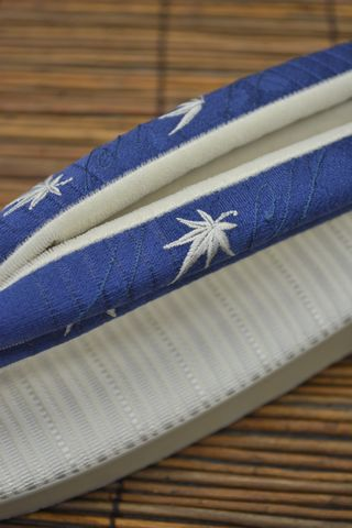 刺繍の絽鼻緒:楓