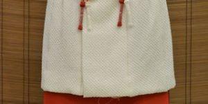 女の子の三歳の七五三に提案したい白い絞り被布コート