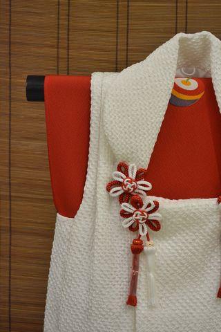 白い絞り被布コート