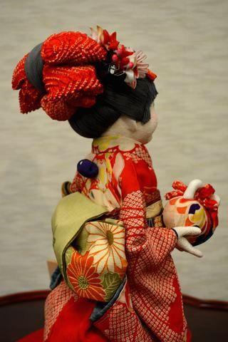 古布で作られた創作人形