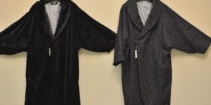 生地の素材が異なる2枚防寒コート