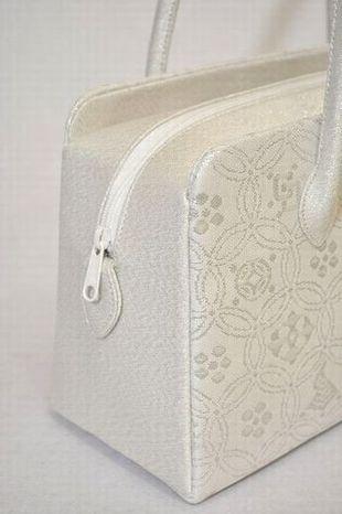 絹紗織りあおり型バッグ(シルクガード済)