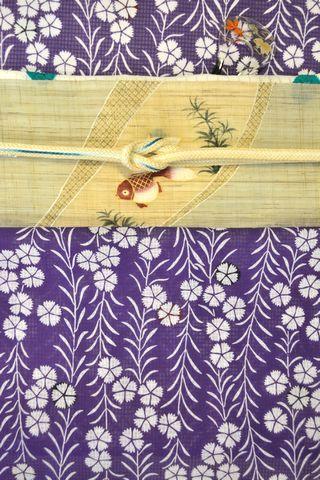 竺仙さんの撫子柄綿紅梅小紋を金魚柄の帯でコーディネート