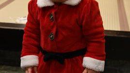 生後10ヶ月になる孫のサンタクロース