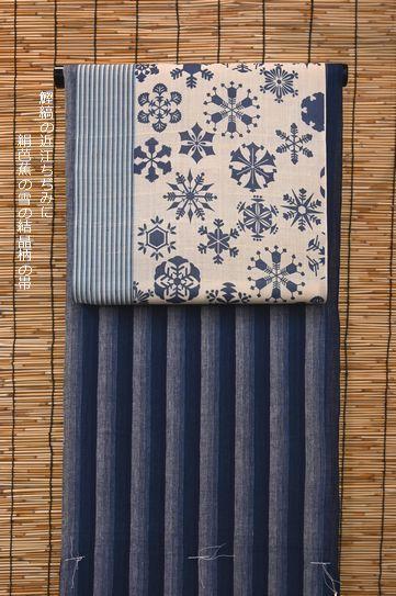 鰹縞の近江ちぢみを雪の結晶柄の絹芭蕉の帯でコーディネート