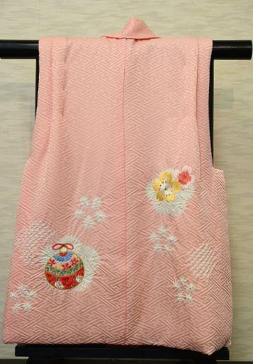 ピンクの被布クート/絞りと刺繍柄