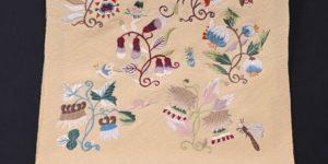 刺繍帯/イギリス草花と虫紋柄